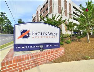 Eagles West Apartments apartment in Auburn, AL
