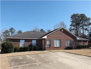 East University Drive Duplexes apartment in Auburn, AL