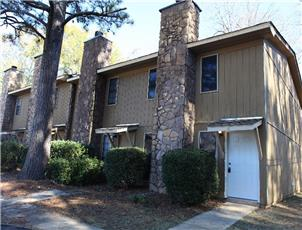 Floral Park Townhomes apartment in Auburn, AL