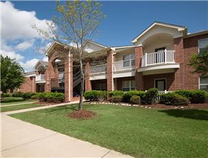 The Fairways at Auburn apartment in Auburn, AL